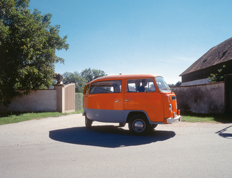 Telekinetically bent VW-Van